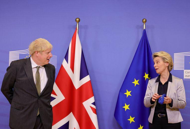 De Britse premier Boris Johnson en Europees Commissievoorzitter Ursula von der Leyen.  Beeld Photo News