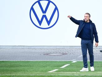 """Bayern München ontstemd over """"eenzijdige communicatie"""" van coach Hansi Flick, die wil vertrekken"""