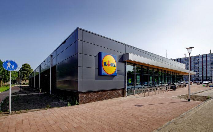 De nieuwe Lidl-supermarkt aan de Suze Groenewegstraat in Waalwijk.