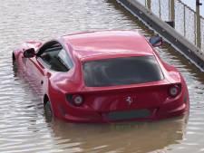 Ferrari FF verzuipt tijdens overstroming