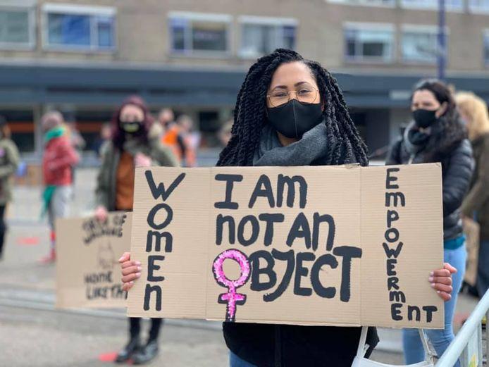 Tijdens 'Reclaim these Streets' demonstreerden in april  in Tilburg ruim tweehonderd mensen tegen seksueel geweld en straatintimidatie tegen vrouwen.
