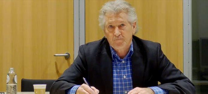 Onafhankelijk voorzitter Nico Postma tijdens de digitale ontmoetingen.