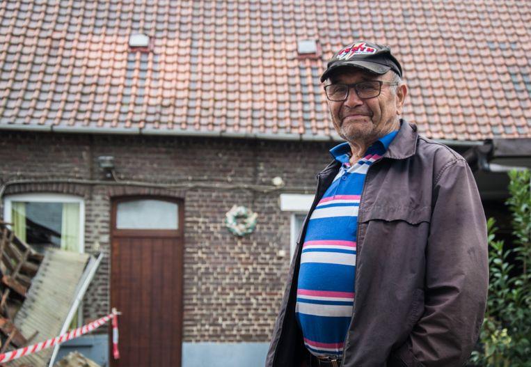 Robert De Blieck wiens achterbouw is ingestort na aanrijding door een vrachtwagen.