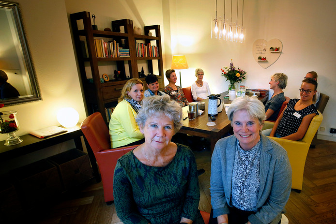 Germaine Wilmink (links) en Majolijn Mutters van het Hospice Gorinchem.