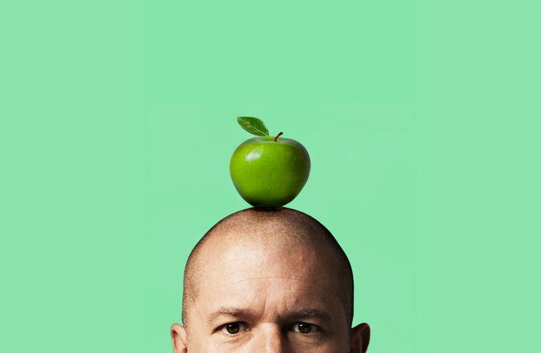 Jonathan 'Jony' Ive, de designgoeroe die samen met Steve Jobs de wereld veroverde met iMacs, iPods, MacBooks, iPhones, iPads en AirPods, houdt het voor bekeken bij Apple. Beeld rv