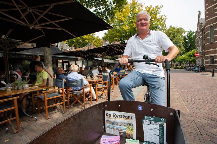 OISTERWIJK - 20190828 - Pix4Profs / Jules van Iperen   Piet Duizer Citymarketeer Oisterwijk rijdt rond door het centrum van Oisterwijk met de mobiele Tourist Information kiosk in vorm van een bakfiets