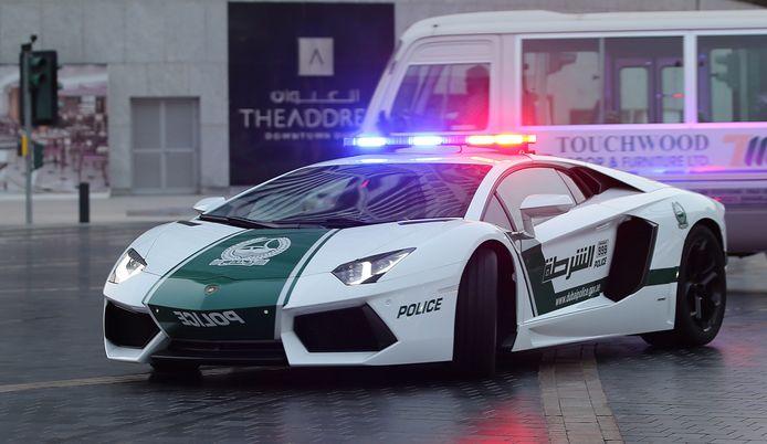 De Lamborghini Aventador van de politie van Dubai.
