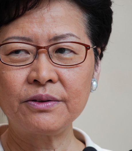 "La cheffe de l'exécutif hongkongais tente un ""dialogue"" avec sa population"