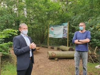 Blotevoetenpad van 500 meter geopend door bossen van Provinciaal Vormingscentrum Malle