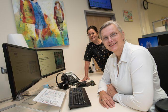 De Huisartsenpost in ziekenhuis Rivierenland  met Monique Römkens(links) en Inge Roelofsen