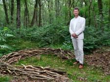 Alex schrijft artikel voor Chinees blad over in Kamp Amersfoort vermoorde communist: 'Ik hoop op 'Giethoorn-effect''