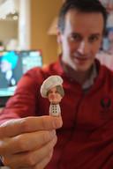 Bakker Hein Vandenberghe met zijn eigen 3D-figuurtje.