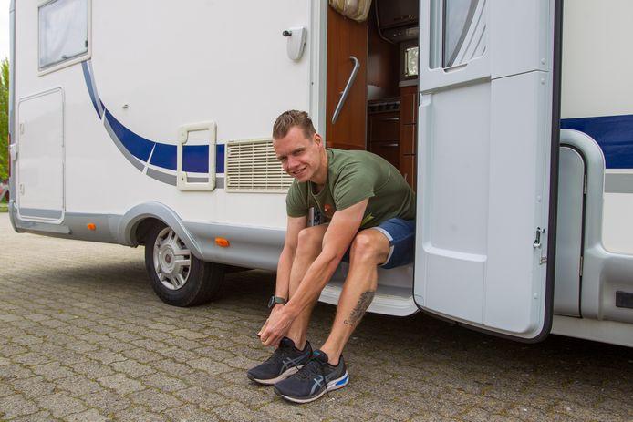 Addie van der Vleuten uit Best gaat het hele Pieterpad rennen. Hij wil de 500 kilometer ook nog eens in een recordtijd afleggen.