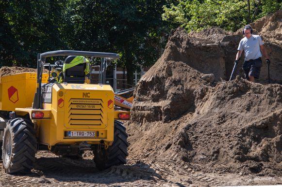 Kris Van Den Berge deed de vondst in stortgrond van de werken die op het begijnhof plaatsvinden