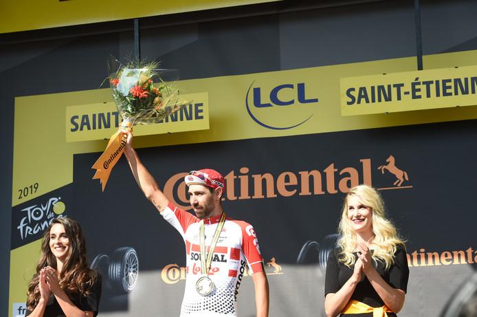 Thomas de Gendt met de bloemen na zijn schitterende zege in de achtste etappe van de Tour.