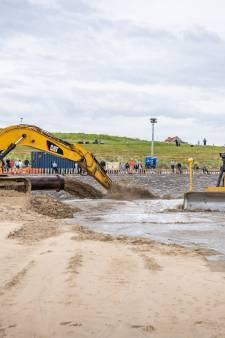 Opspuiten strand zorgt voor drijfzand: 'Maar mensen blijven er lopen'