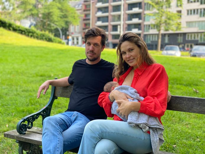 Audrey Caluwaerts et Freek Wille, avec leur fils Juno.