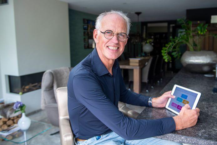Marcel van Oosterwijk heeft een app ontwikkeld voor het onderwijs. Er zijn al meer dan 100 aanvragen.