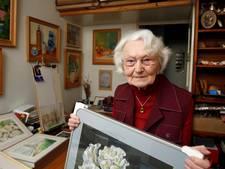 Emmy Vestjens is al 96 jaar, maar exposeert nog steeds