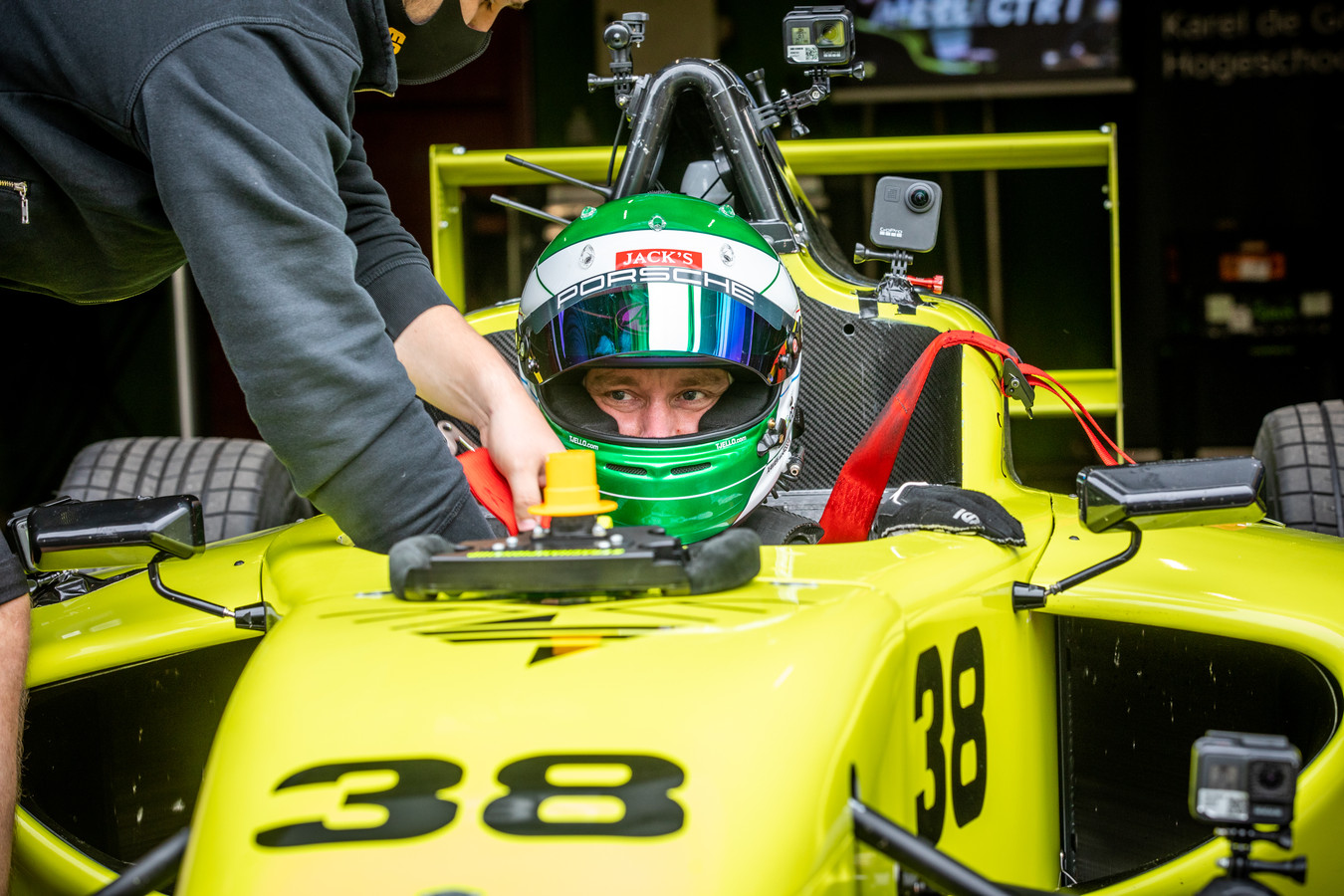 De elektrische Formule 4 racewagen van ERA en Karel de Grote Hogeschool is op weg om een splinternieuwe, duurzame racecompetitie mogelijk te maken.