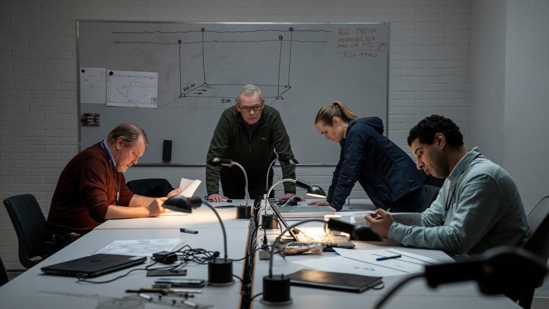 Søren Malling (midden) als Jens Møller, de Deense politiecommissaris in The Investigation. Beeld Per Arnesen
