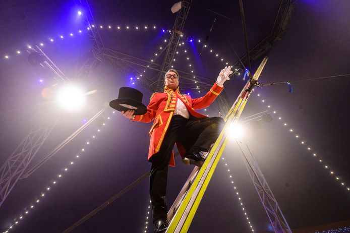 Atze Lubach was de spreekstalmeester van het kerstcircus in Het Volkspark in Enschede, afgelopen winter. Dit jaar komt het er niet van.