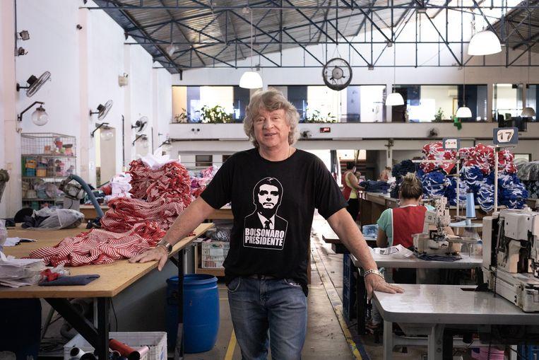 Angelo Bucioloti in zijn kantoor in de fabriek in Saltinho.  Beeld gabriela portilho