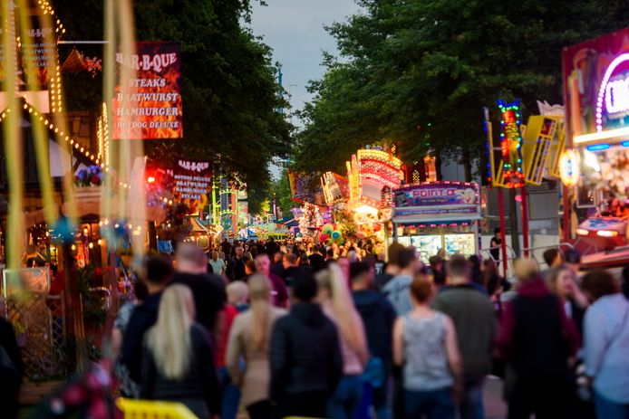 De kermis Park Hilaria in Eindhoven zoals deze in 2019 werd gehouden. Vrijdag gaat de editie -met coronamaatregelen- van dit jaar open. Archieffoto DCI Media