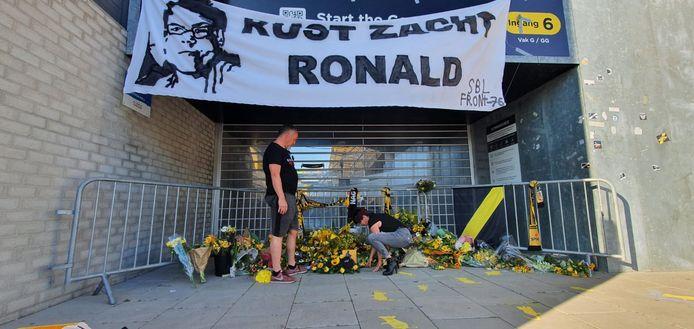 Marco Jansen en Hellen Go, initiatiefnemers van herdenking NAC-supporter Ronald.