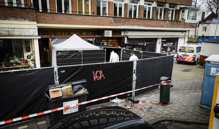 Het hoofd van Amzieb ligt later voor waterpijpcafé Fayrouz Lounge aan de Amstelveenseweg. Beeld anp
