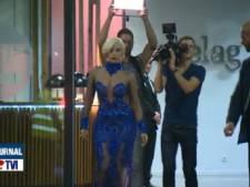 Lady Gaga pose ses pieds de star sur le tarmac à Zaventem
