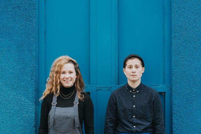 Sophie Habets (l) en Romy Rockx van de Vrouwen van Wanten