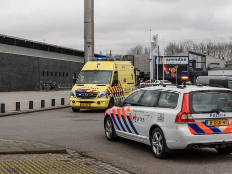 Man zwaargewond na val van 8 meter door dak kunstijsbaan in Breda
