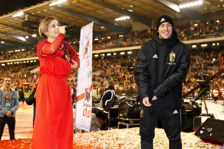 Gala en Eden hazard laten 'Freed from Desire' weerklinken in het Koning Boudewijnstadion. Beeld Photo News