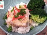 Gestoomde kabeljauw met broccoli en sushirijst