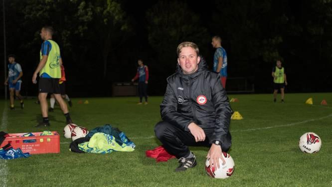 Trainer Thomas Mangelaars geniet bij ZSC'62, 'Ik hou van dat gemoedelijke'