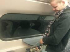 NS doet aangifte tegen man die over treinstoelen plaste