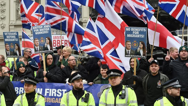 Leden van Britain First protesteren in Londen tegen vluchtelingen. Beeld epa