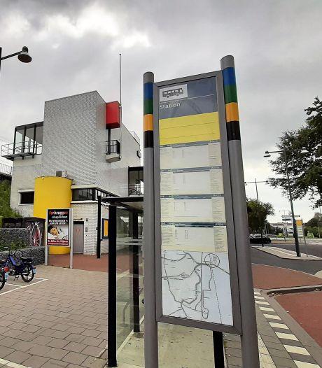 Nieuwe borden voor reisinformatie bij bushaltes