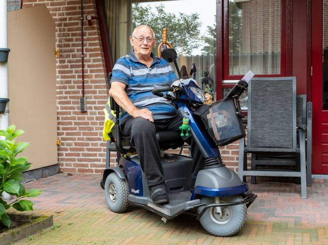 Simon (84) rijdt land door op zijn scootmobiel: van Den Helder naar Etten-Leur in weer en wind