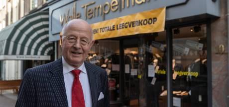 Walle Tempelman verrast met Zutphense onderscheiding, vlak voordat hij zijn winkel definitief sluit: 'Ik ben echt geraakt'