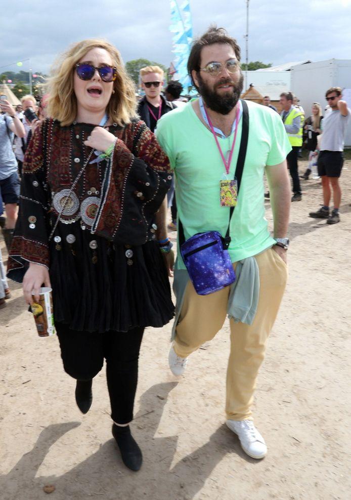 Adele en haar ex-man Simon Konecki enkele jaren geleden op Glastonbury.