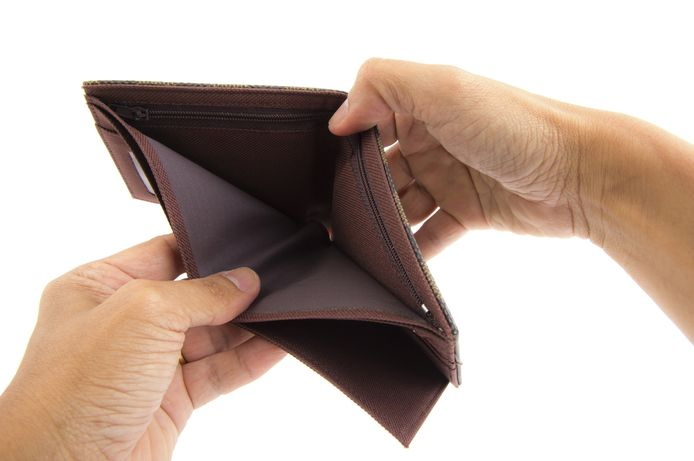 Eén op de zes huishoudens heeft moeite iedere maand de rekeningen te betalen.