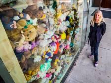 Vijfhonderd knuffels als herinnering aan de vuurwerkramp: 'Dit zijn de dragers van compassie'