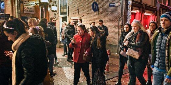 Halsema wil prostitutiehotel of erotisch centrum als opvolger van de Wallen