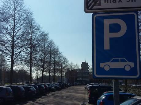 Parkeren op eigen terrein in Kampen verdwijnt niet helemaal