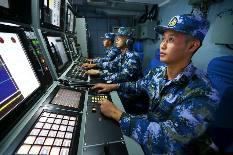 Chinese mariniers tijdens een oefening op de Zuid-Chinese Zee. Beeld ap
