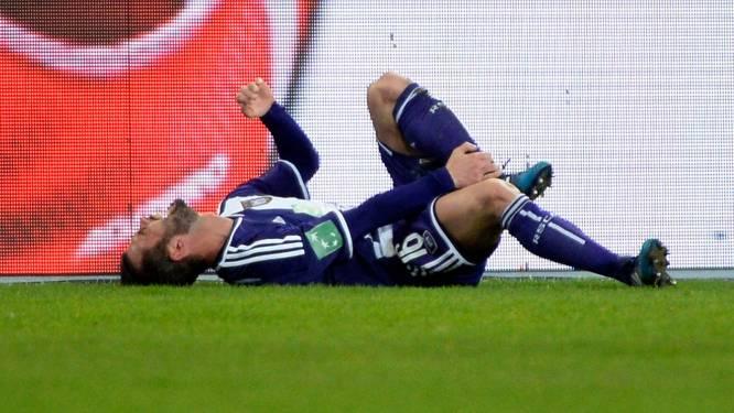 Anderlecht wint veldslag van Kortrijk en ziet Defour geblesseerd uitvallen