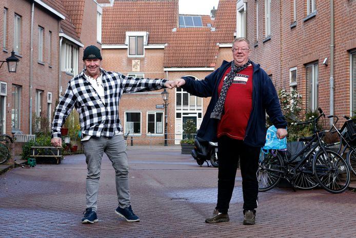 Buren Eddy en Bertus (rechts) in de Jan Meijenstraat