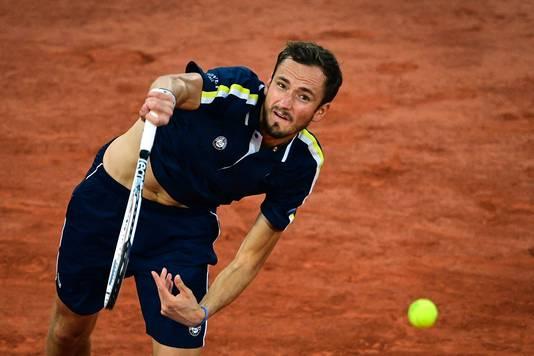 Daniil Medvedev ging in drie sets onderuit tegen de Griek Stefanos Tsitsipas.